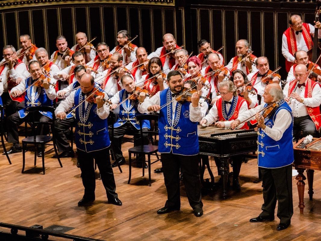 Hungarikumok kavalkádja - a 100 Tagú Cigányzenekar koncertje